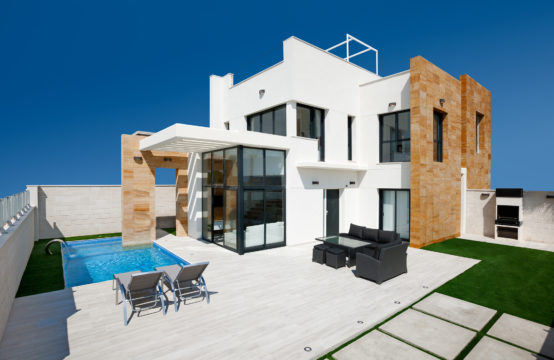 Three bedroom Luxury Villas in Cabo Roig, Orihuela Costa