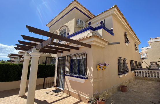 2 Bedroom Townhouse in Residential Golden Zenia, La Zenia