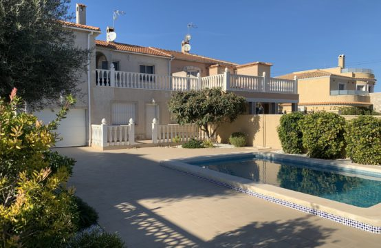 Villa in Los Balcones for long term rent (only second floor)