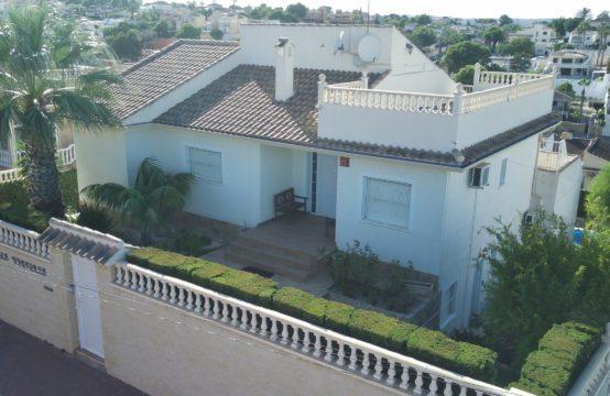 Detached luxury villa in Los Balcones, Torrevieja
